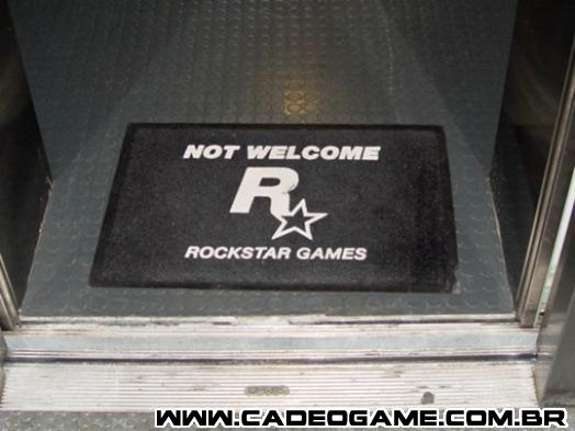 http://images1.wikia.nocookie.net/__cb20110304104102/es.gta/images/thumb/e/e3/Not_Welcome_Real.jpg/509px-Not_Welcome_Real.jpg