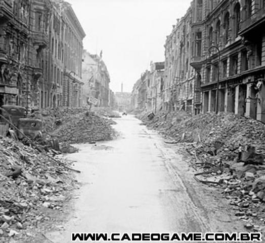 http://upload.wikimedia.org/wikipedia/commons/thumb/a/af/Destruction_in_a_Berlin_street.jpg/652px-Destruction_in_a_Berlin_street.jpg