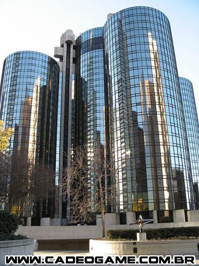 http://upload.wikimedia.org/wikipedia/commons/thumb/3/3a/Westin_Bonaventure_Hotel.jpg/450px-Westin_Bonaventure_Hotel.jpg